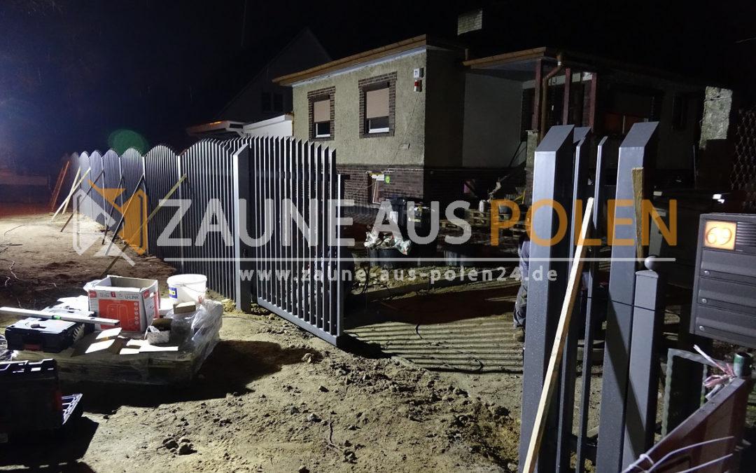 Zaunmontage im Berlin